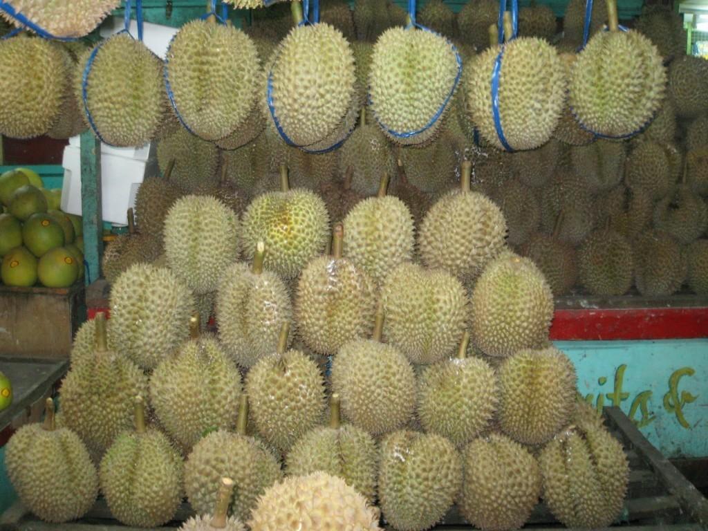 Magsaysay Fruit Stalls